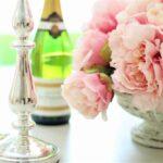 花とテーブル